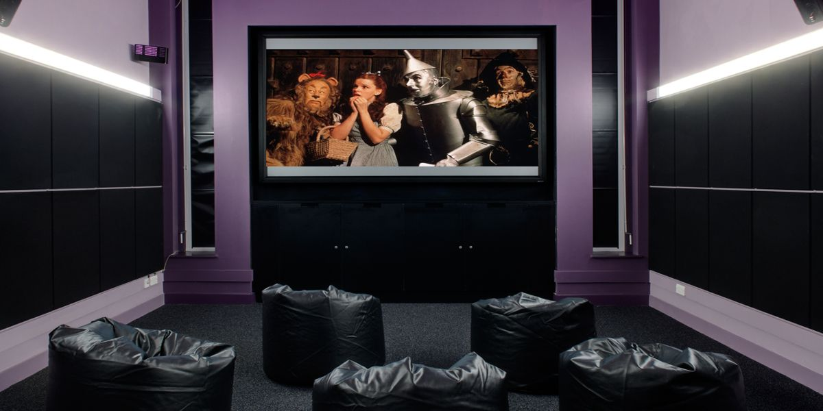 A picture of the screen room