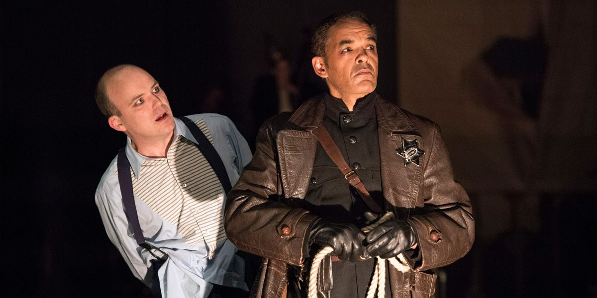 Rory Kinnear and Peter de Jersey in The Threepenny Opera