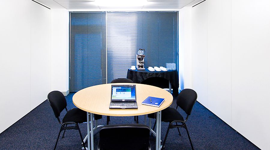 An image of a small meeting room