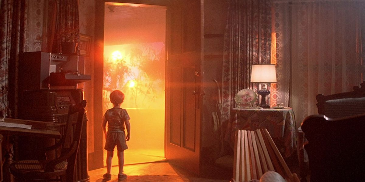 A boy open his front door in Close Encounters of the Third Kind