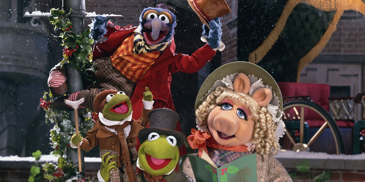 Tiny Tim, Kermit, Miss Piggy and Gonzo in Muppets Christmas Carol