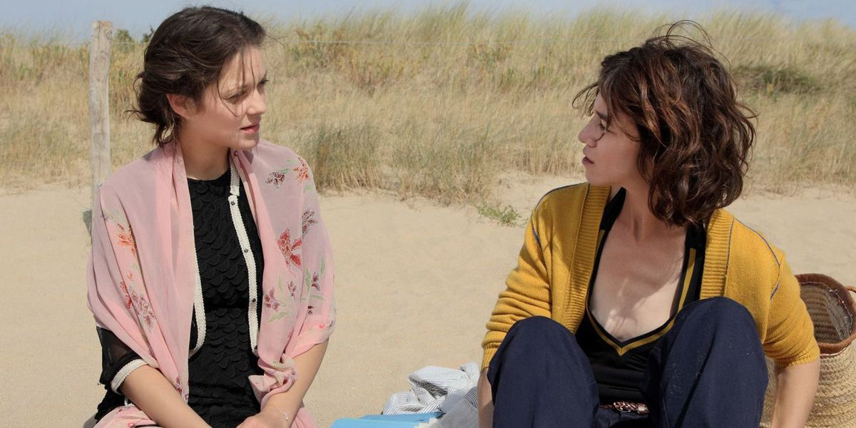 Marion Cotillard and Charlotte Gainsbourg in Ismael's Ghosts.